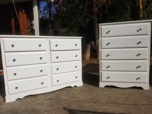 Solid Wood White Dresser Set for Sale in Mary Esther, FL