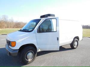 Ford E 350 2006 Refrigerated Reefer Truck Van