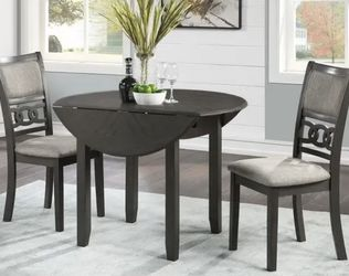 Dinning Table For 2 for Sale in Austin,  TX