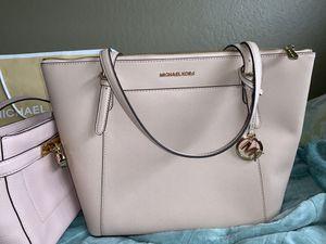 Michael Kors CIARA tote bag for Sale in Redwood City, CA