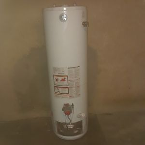 GE 38 GALLON WATER HEATER FREE INSTALL for Sale in La Puente, CA