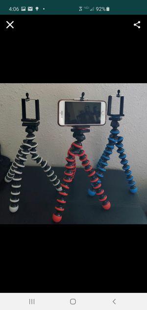 New medium tripod for Sale in Riverside, CA