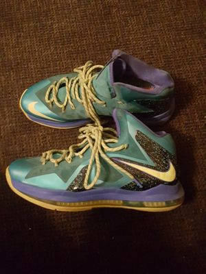NIKE LEBRON FLYWIRE for Sale in Tolleson, AZ