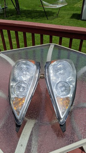 Toyota sienna headlight assembly 2006 2007 2008 2009 2010 for Sale in Schaumburg, IL