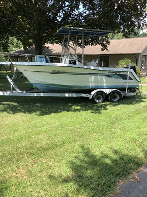 1993 Ranger 210C 20' Center console boat. Powered by a 1994 Black Max for Sale in Dayton, MD