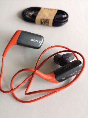 New Sony Bluetooth Wireless headphones headset Super Bass with microphone for Sale in Richardson, TX
