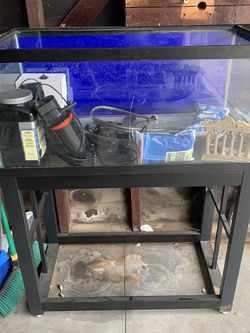 40 Gallon Aquarium Tank And Stand for Sale in Los Angeles,  CA