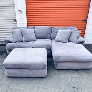 Light Gray Microfiber Sectional Couch w/ottoman -I Can Deliver for Sale in San Diego, CA