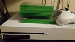 Xbox one s 1 tb with 5 games 1 control memory clen for Sale in Bell Gardens, CA