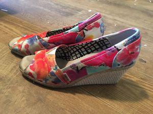 Toms brand floral wedge heels for Sale in Salem, MO