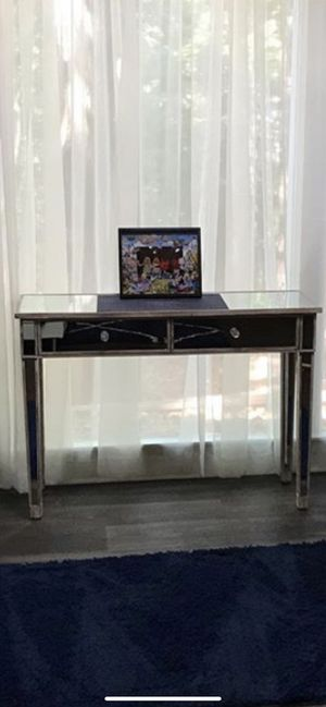 Mirrored table for Sale in Lawrenceville, GA
