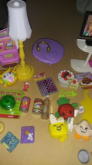 Cute Little accessories for dolls for Sale in Las Vegas, NV