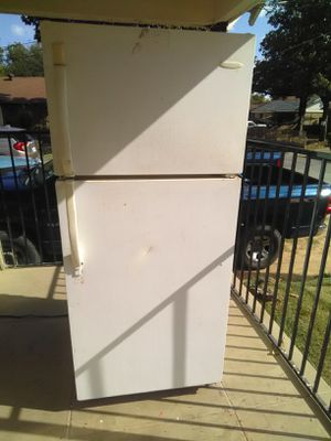 Super Cold Frigidaire Refrigerator And Roper Electric Stove Can Test Delivery Available Today 180 Total for Sale in Dallas, TX