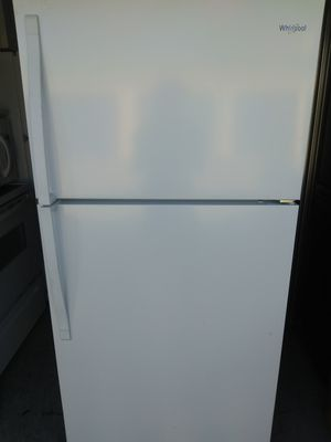 White whirlpool refregerator like new 350$$$ for Sale in Naples, FL