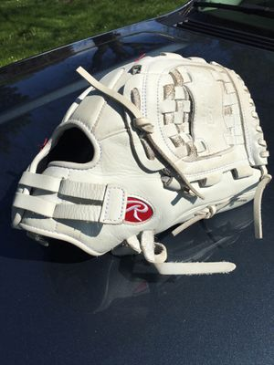 Softball Glove Rawlings FastPitch Softball for Sale in HOFFMAN EST, IL