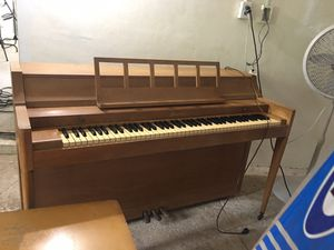 Baldwin acoustic piano for Sale in Palm Beach Gardens, FL