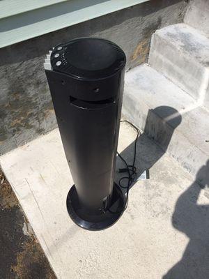 Vornado 41 inch tower air circulator fan for Sale in Pawtucket, RI
