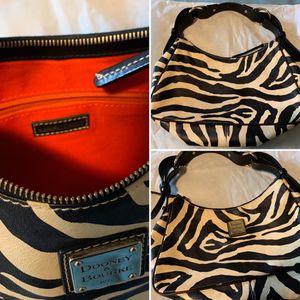 Dooney & Burke handbag for Sale in Tacoma, WA