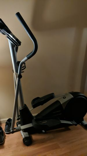 Elliptical cardio pro trainer 800 for Sale in Norristown, PA