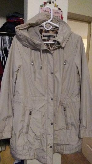 Chaqueta para la lluvia for Sale in Marysville, WA