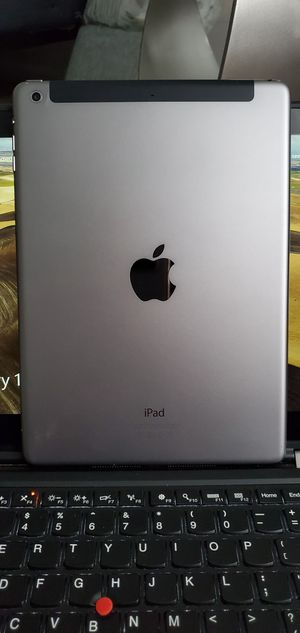 iPad Air 32 GB Wifi + Cellular for Sale in Aspen Hill, MD