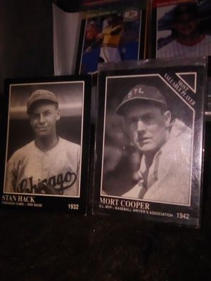 Baseball leg.. old collection cards 1932&1942 for Sale in Los Angeles, CA