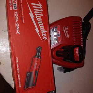1/4 Tool Batería Y Cargador 120 for Sale in Pomona, CA