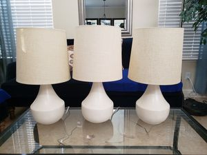 Gorgeous Table Lamp neutral beige color for Sale in Lathrop, CA