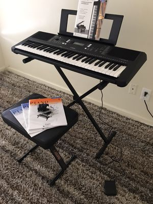 Yamaha PSR E363 With Stand, Bench, Pedal, Music Books and Stand for Sale in Huntington Beach, CA