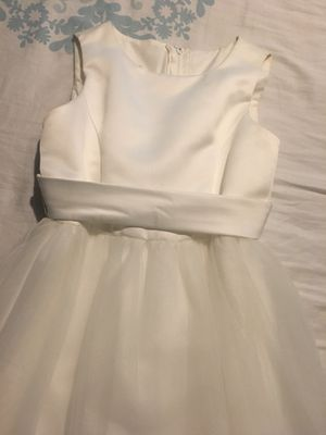 DAVID'S BRIDAL-IVORY FLOWER GIRL DRESS SIZE 8 for Sale in Nashville, TN