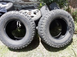 35's for 20 inch for Sale in San Antonio, TX