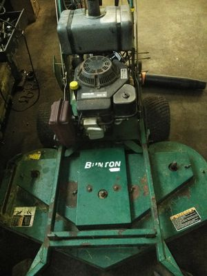 """48"""" Button commercial lawn mower. Works great for Sale in Cleveland, OH"""
