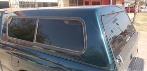 LEER Camper shell off a 2001 Extended cab tacoma for Sale in Bakersfield, CA