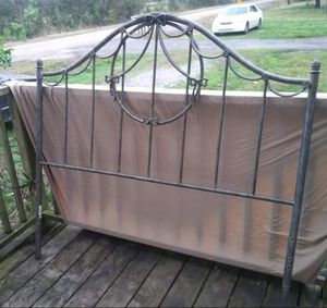 full size iron bed frame for Sale in New Iberia, LA