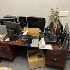 Desk for Sale in Modesto, CA