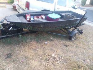 14ft fiberglass boat with trailer for Sale in Sanger, CA