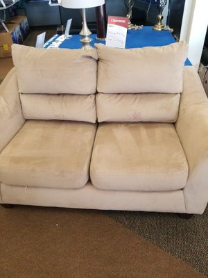 Pre leased loveseat for Sale in North Chesterfield, VA