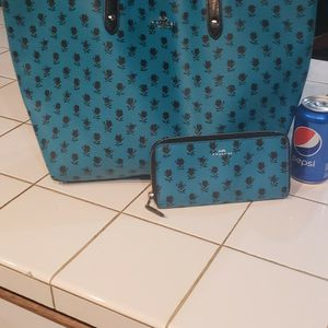 Green Coach Purse And Wallet for Sale in Portland, OR