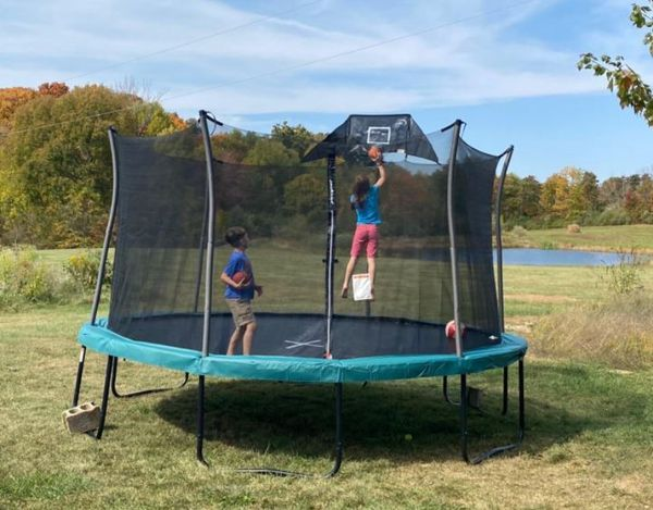 JUMPPPPPP!!! 14' Heavy-Duty Trampoline, Comes With Basketball Hoop!