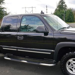 (STAY SAFE) STERILIZED CAR 2003 CHEVROLET SILVERADO Good as New for Sale in Las Vegas, NV