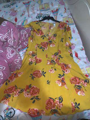 Yellow dress for Sale in Miami, FL