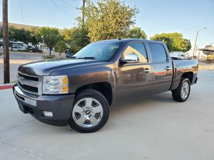 SILVERADO 2011 LTZ TITULO LIMPIO 128K MILES for Sale in Arlington, TX