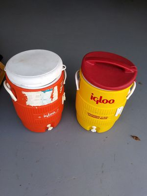2 Used 5 Gallon Igloo Coolers for Sale in Lithonia, GA