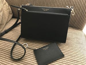 Kate spade crossbody with FREE WALLET for Sale in Columbia, MD