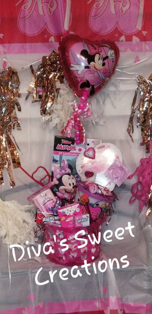 MINNIE MOUSE Love Basket for Sale in Laredo, TX