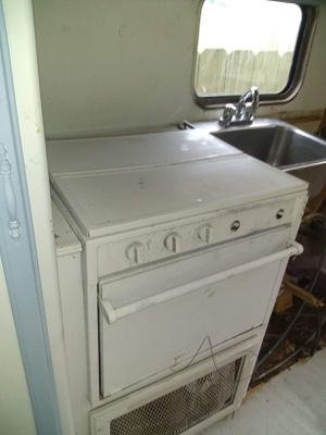 1992 Travel Trailer As Is *Project* Need Gone ASAP for Sale in Portland, OR