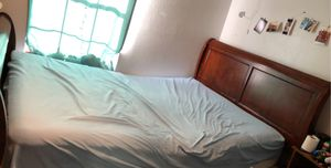 Queen bed and frame for Sale in Brownsville, TX