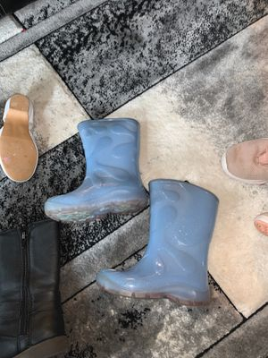 Girls rain boots $3 beleive there a size 8 for Sale in Everett, WA