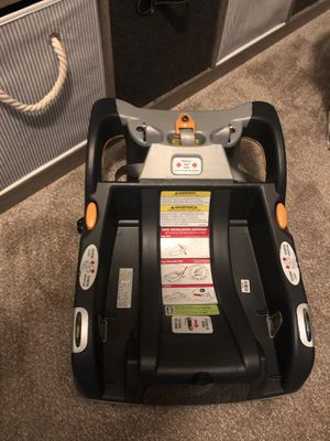 Chicco car seat base for Sale in Hialeah, FL