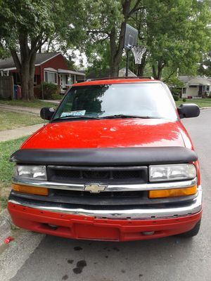 2000 Chevy blazer 180,000 miles for Sale in Columbus, OH